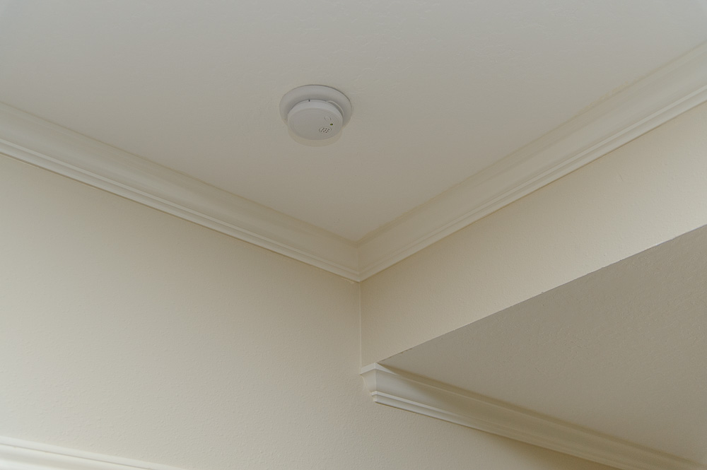 Crown molding inside corner